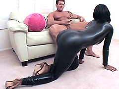 Ebony babe in sexy black outfit temts guy for wild interracial sex