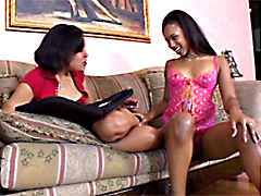 Pleasure Bunny & Sunshine lesbians video