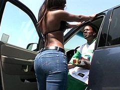 Hot ebony whore blowing and riding big black dick in car