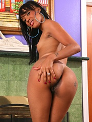 Kapri Styles loves to masturbate because she knows she'll always get off. Her own fingers love..