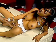 Ebony sluts please each other skillfully. Lacey Duvalle & Coco Pink