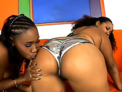 Jessica and Nikole make each other cum. Jessica Allbutt & Nikole Richie