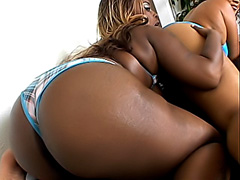 Black babes have a juicy ass in the face. Vanity Cruz & Queen B