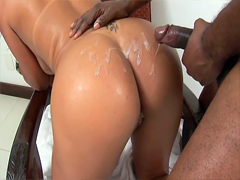Luscious ebony girl Aninha fucking doggystyle and finally takes hot jizz on her splendid ass