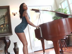 Watch the nude Skin Diamond, she tease the camera in epic locations and then worship cock.